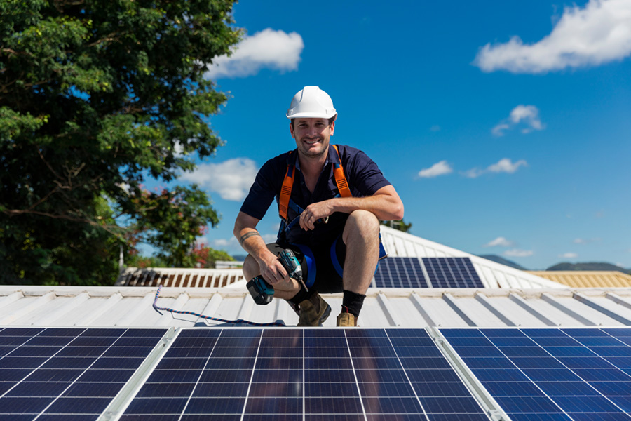Invest In Solar Power? Or Does Money Earn More In The Bank?