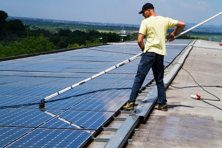 Keeping Solar Panels Clean; A Maintenance Guide